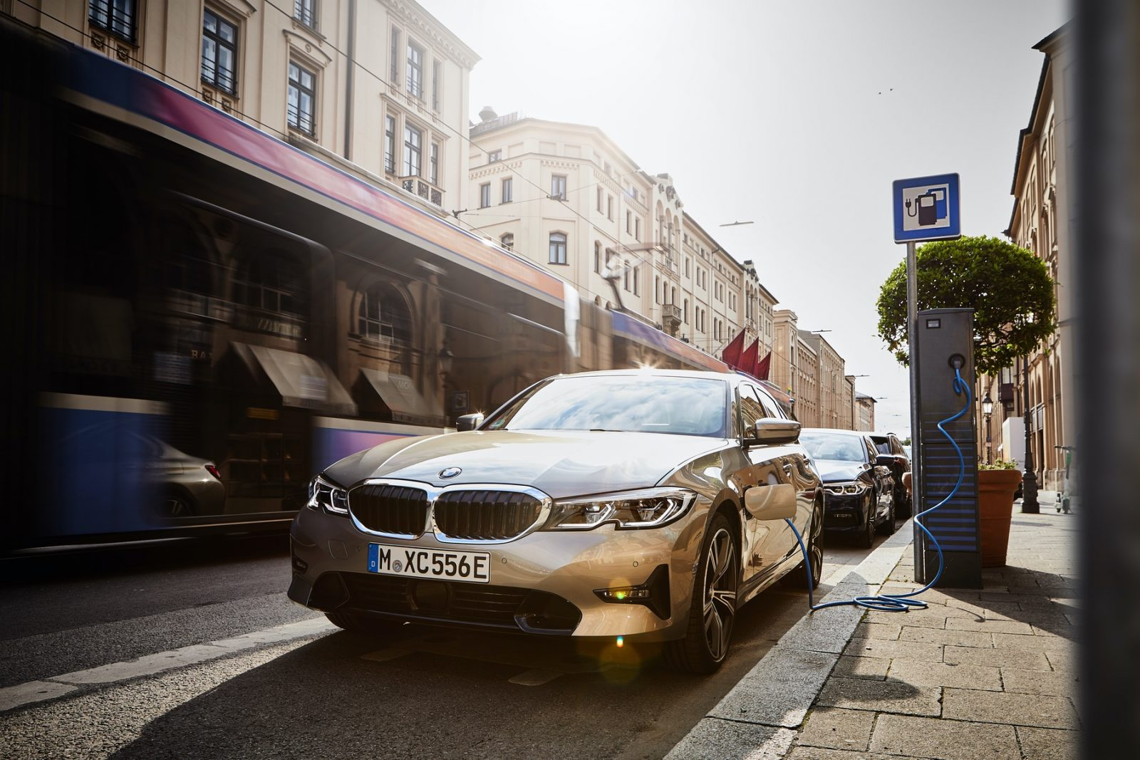 2021 BMW 330e Hybrid